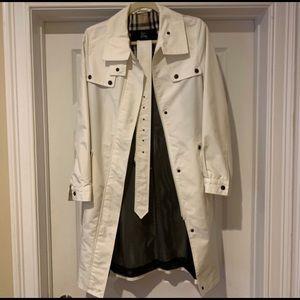 Burberry white rain trench coat. 100% authentic.
